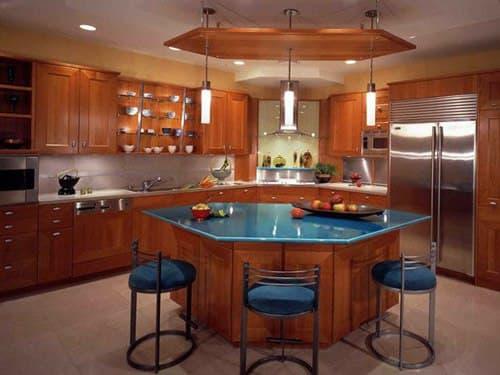 آشپزخانه جزیره ای شش ضلعی با صفحه آبی