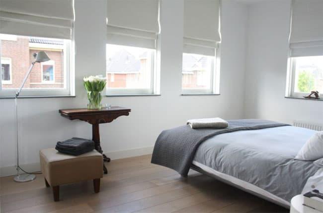 پرده ی بالارونده ی رومی سفید برای اتاق خواب