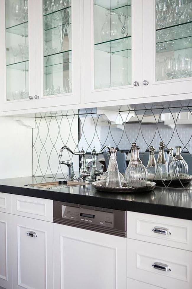نقش سطوح آینه ای دربزرگتر جلوه کردن آشپزخانه کوچک